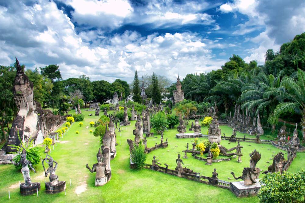 Laos-family-tour-Buddha-park