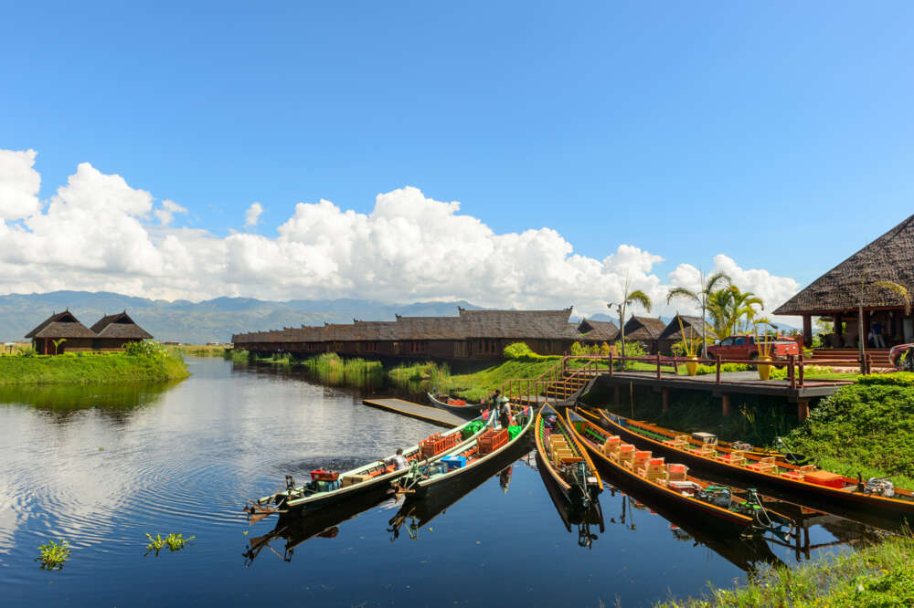 Myanmar luxury holiday: Inle Lake Nature and Boats