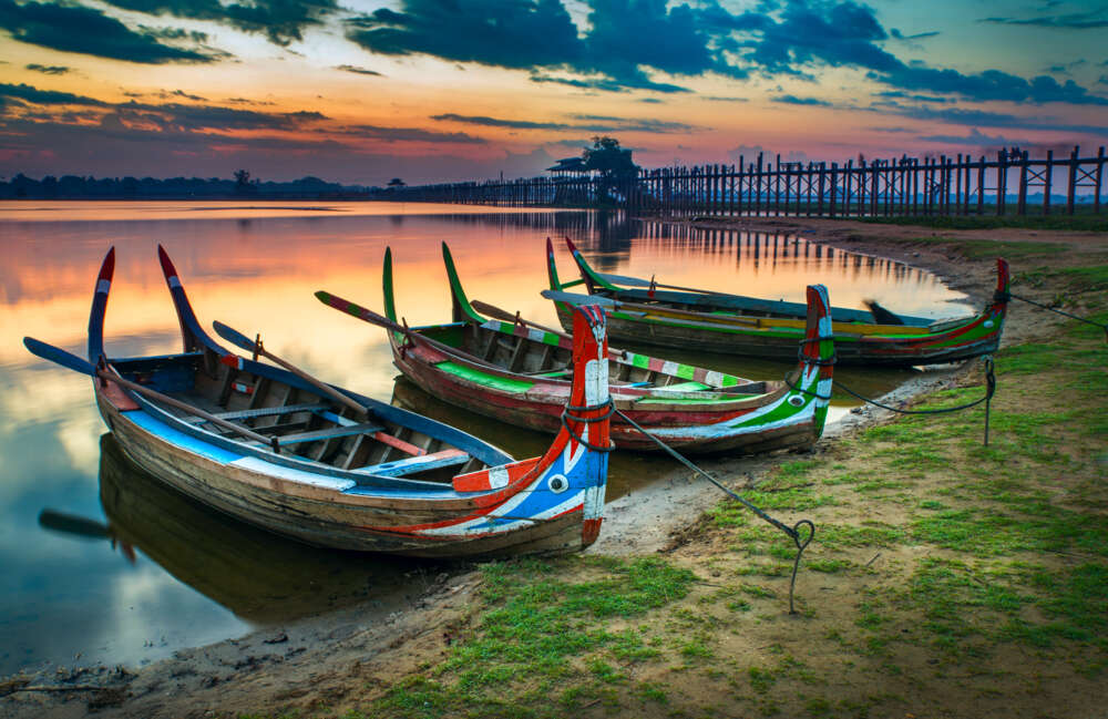 Travel and tour in Myanmar: Boats in inle lake shore
