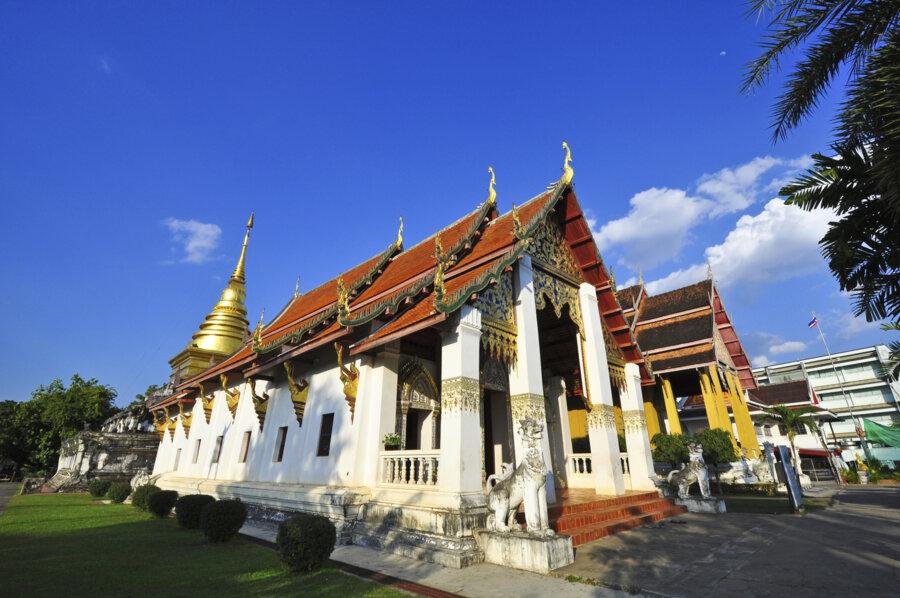 discover Chiang kham Wat Phra That Chang Kham at Nan Thailand