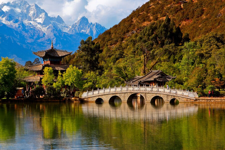 adventure holidays in Asia: Nature Black Dragon Pool with Jade Dragon snow mountain Heillongtan, ShangriLa