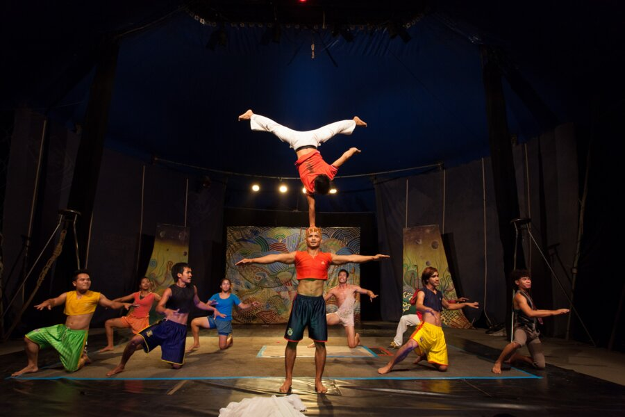 phare circus performers in siem reap cambodia