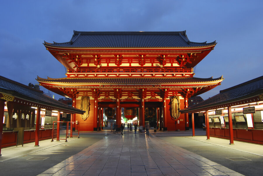asakusa temple and shrine in tokyo by night